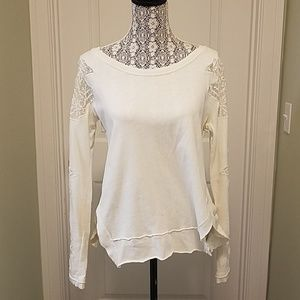 Unique white free people sweatshirt